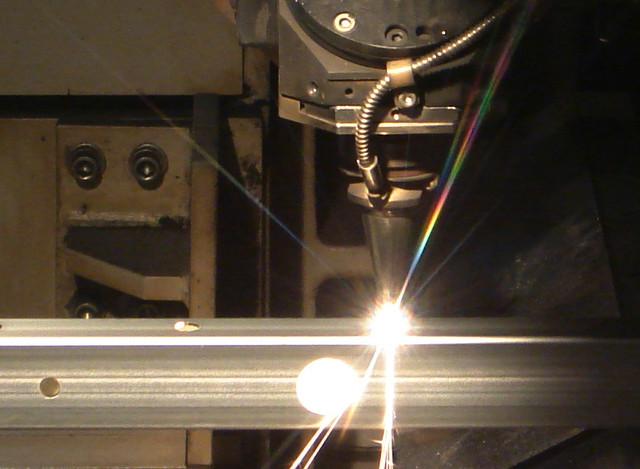 麻布成形株式会社の形鋼加工の特徴