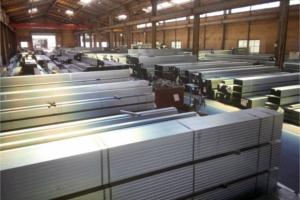 メッキ材・ZAM®材・STKM材など豊富な在庫を常時保有